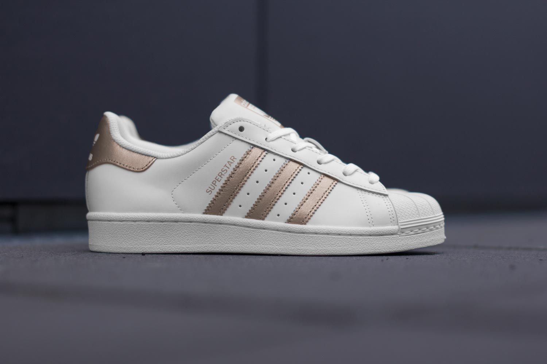 a537f2bd5ca Acheter adidas superstar w chaussures blanc cuivre pas cher