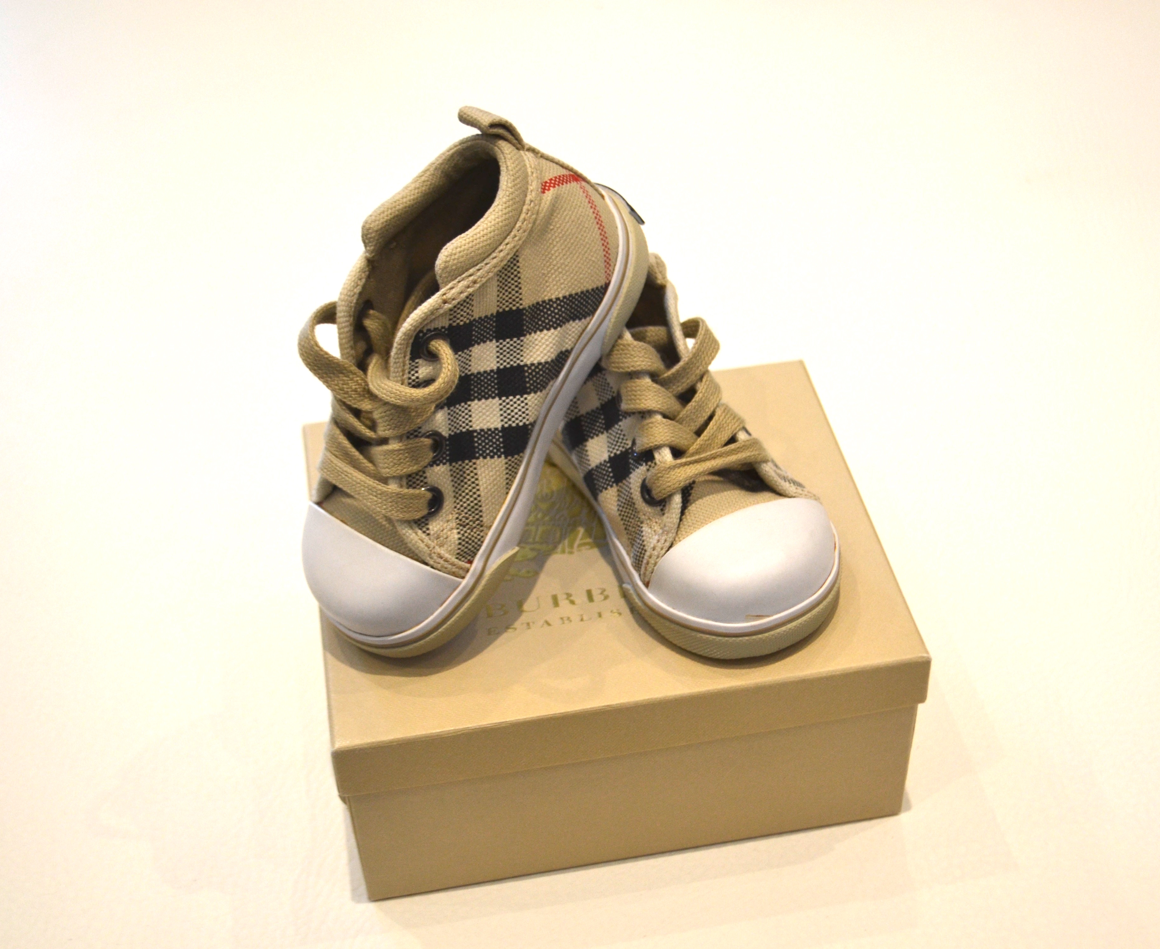 Acheter chaussure burberry bebe pas cher e74bead0826f